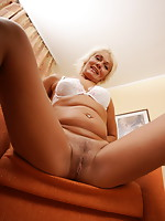 mature sweetheart masturbating