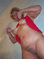 Blonde old bitch sucking and fucking her a-hole off